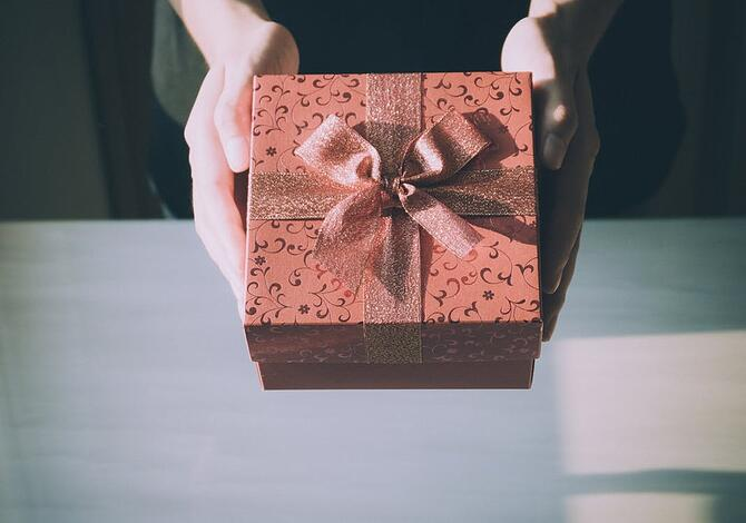 gifts-to-send-clients.jpeg